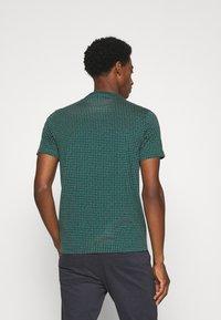 Farah - HOLBROOKS TEE - Print T-shirt - emerald green - 2