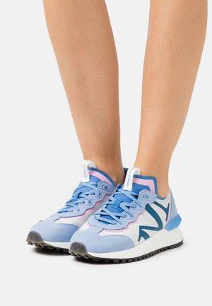 PIA - Sneakersy niskie - light blue