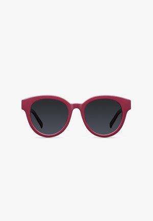 ZEILA - Sunglasses - wine grey