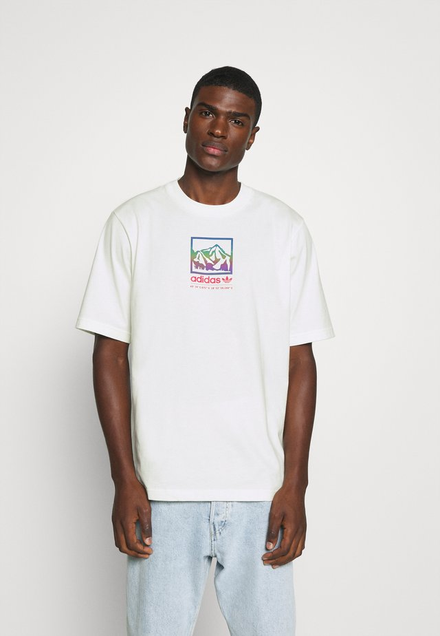 SPORTS INSPIRED LOOSE SHORT SLEEVE TEE - T-shirts med print - off white