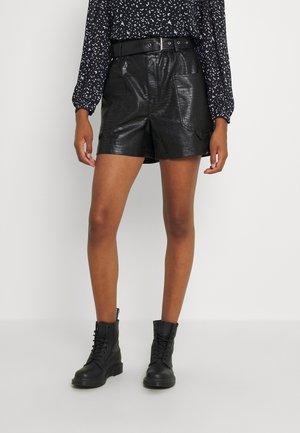 NMLISSY SHORTS - Spodnie materiałowe - black