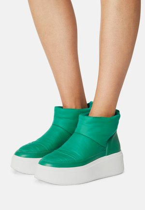 MAXI - Winter boots - cold green