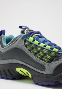 Reebok Classic - DAYTONA DMX II - Sneakers - grey - 5