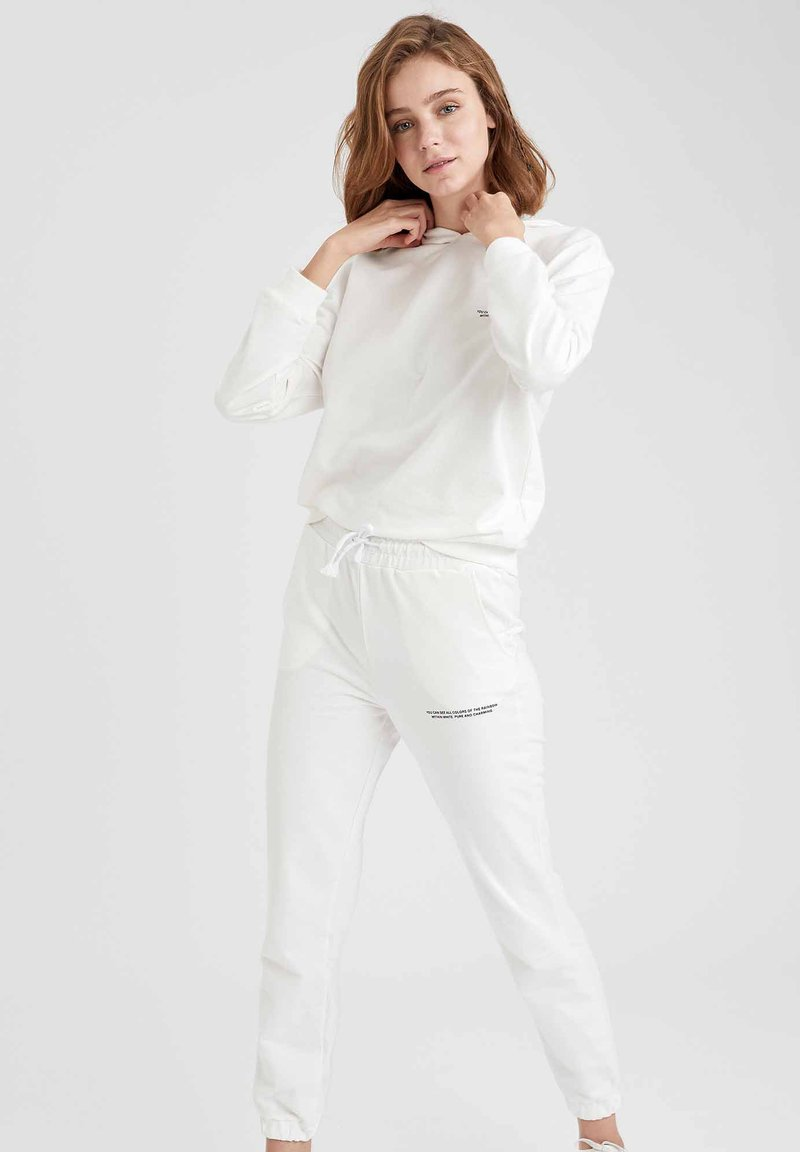 DeFacto - Tracksuit bottoms - white