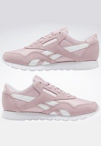 Reebok Classic - CLASSIC NYLON SHOES - Trainers - pink - 6