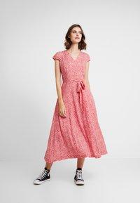 Louche - CATHLEEN BLOOM - Skjortklänning - red - 1