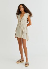 PULL&BEAR - Pletené šaty - mottled beige - 1
