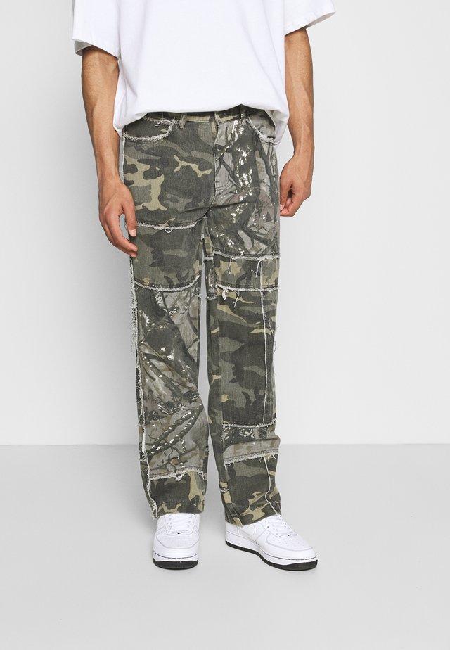 PATCHWORK FRAYED SKATE  - Jeans baggy - khaki