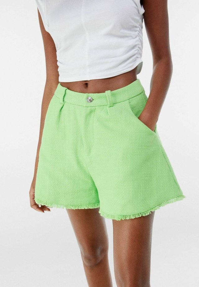 Short - green
