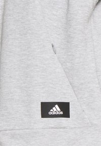 adidas Performance - LINEAR FULL ZIP ESSENTIALS SPORTS HOODIE - Sweatjakke /Træningstrøjer - mgreyh/white - 2