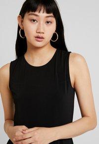 Vero Moda - VMALBERTA DRESS - Jerseykleid - black - 4