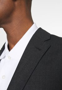 Isaac Dewhirst - Suit - charcoal - 8