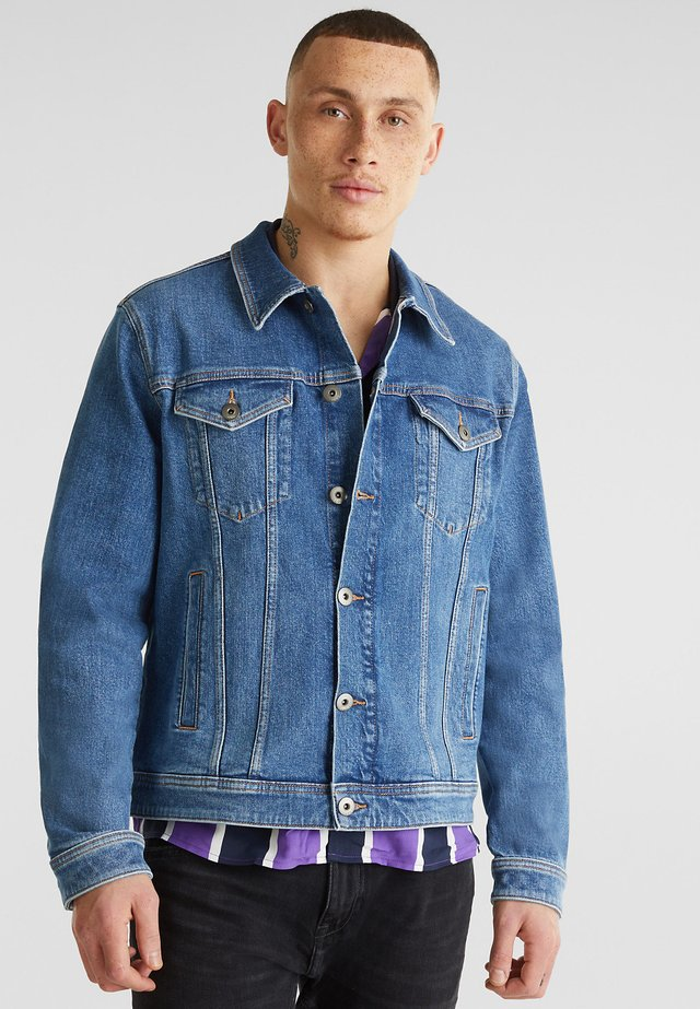 Denim jacket - blue light washed