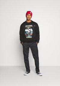 Nominal - IRON MIKE TYON CREW - Sweatshirt - black - 1