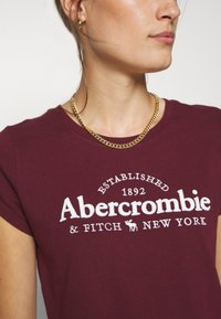 Abercrombie & Fitch - LONG LIFE LOGO  - Print T-shirt - burg - 4