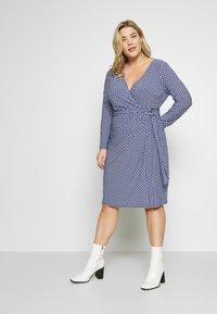 Lauren Ralph Lauren Woman - CASONDRA LONG SLEEVE DAY DRESS - Shift dress - parisian blue/colonial cream - 0