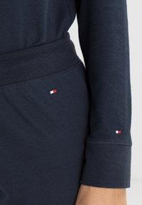 Tommy Hilfiger - ICONIC TRACK PANT - Pyjama bottoms - navy blazer - 3
