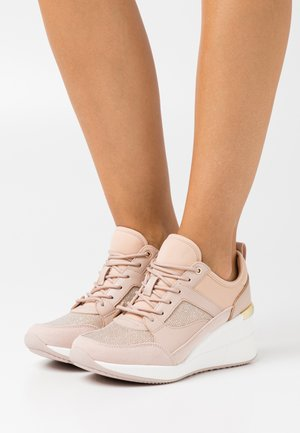 THRUNDRA - Trainers - light pink
