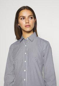 J.CREW PETITE - PERFECT SHIRT IN CLASSIC STRIP - Button-down blouse - black - 5