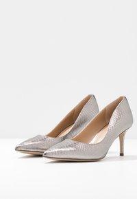 Lauren Ralph Lauren - LANETTE - Classic heels - silver - 4