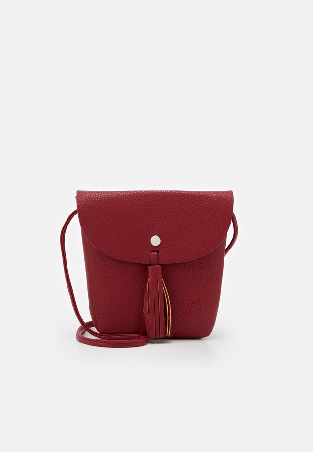 IDA - Across body bag - mid red