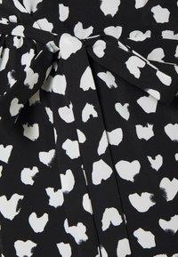 Glamorous Bloom - WRAP DRESS MATERNITY - Vestido informal - black - 2