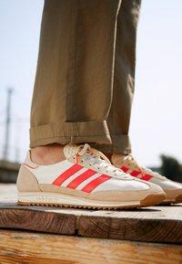 adidas Originals - SL 72  - Tenisky - cream white/solar red - 2