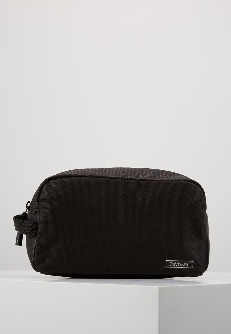 Calvin Klein - PRO WASHBAG - Trousse - black