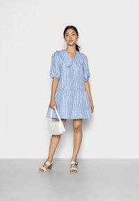 Cras - ARIACRAS DRESS - Day dress - brunnera blue - 1