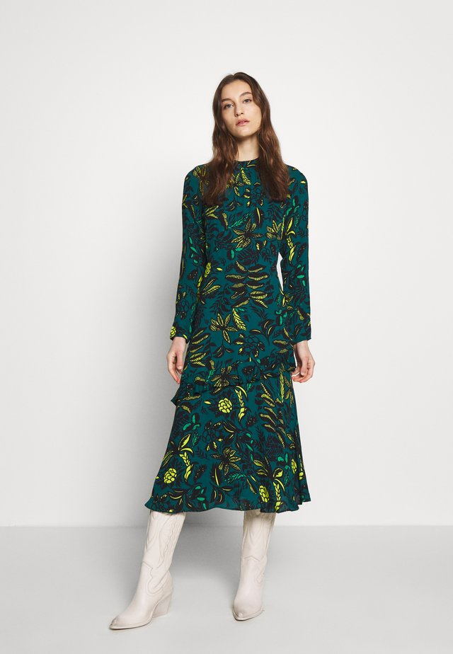 ASSORTED LEAVES DRESS - Denní šaty - green/multi