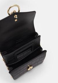 Pinko - LOVELINK ORGANIZED EFFECT - Across body bag - black - 3