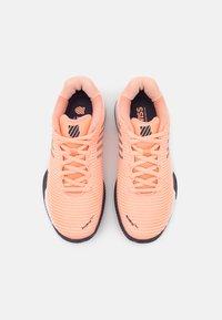 K-SWISS - HYPERCOURT EXPRESS 2 HB - Multicourt tennis shoes - peach nectar/graystone/white - 3