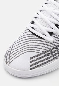 Puma - CLYDE ALL PRO - Basketball shoes - white/black - 5