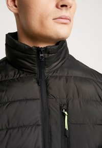 TOM TAILOR DENIM - LIGHTWEIGHT PADDED JACKET - Winter jacket - black - 4