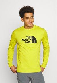 The North Face - DREW PEAK CREW LIGHT - Sweatshirt - citronellegreen - 0