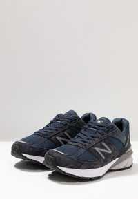 New Balance - W990 - Trainers - navy/silver - 4