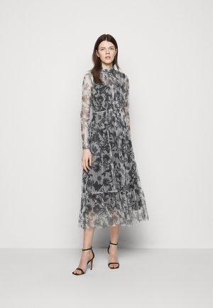 Maxi šaty - multicolour