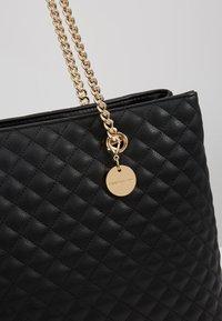 Forever New - QUILTED SHOULDER BAG - Handbag - black - 5