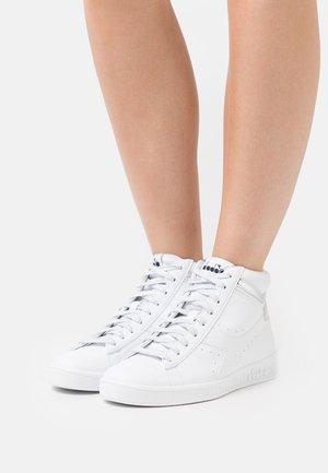 GAME  - Sneakers hoog - white/silver
