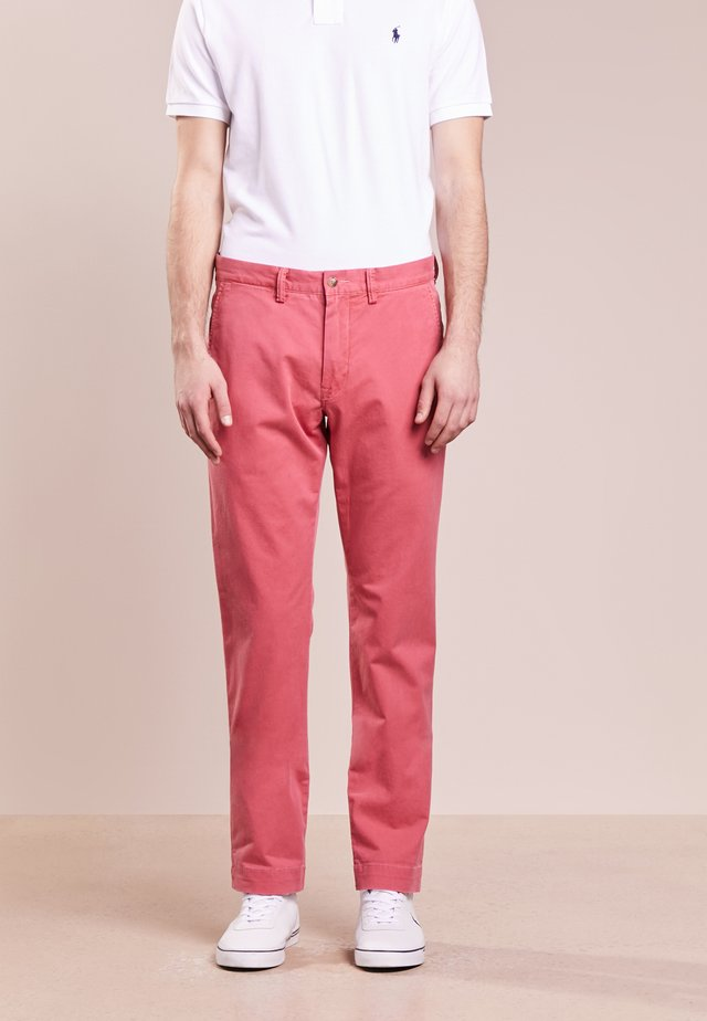 BEDFORD PANT - Pantalones chinos - nantucket red