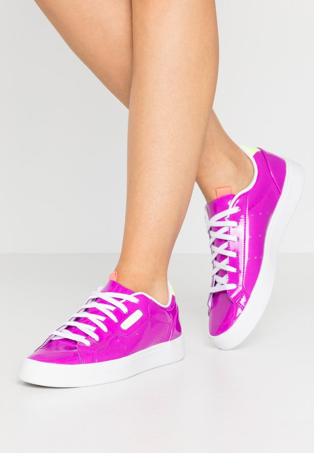 SLEEK - Sneakers - shock purple/hi-res yellow/signal pink
