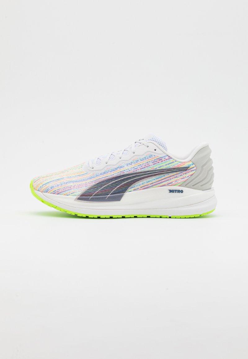 Puma - MAGNIFY NITRO SP - Neutrální běžecké boty - white/sunblaze/green glare