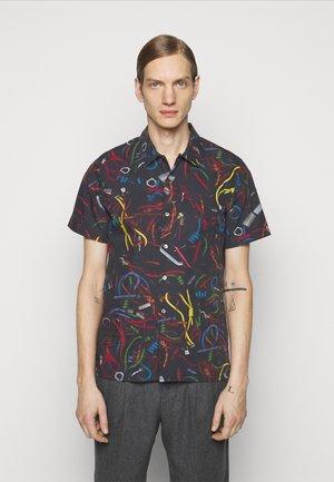 CASUAL FIT SHIRT - Shirt - black
