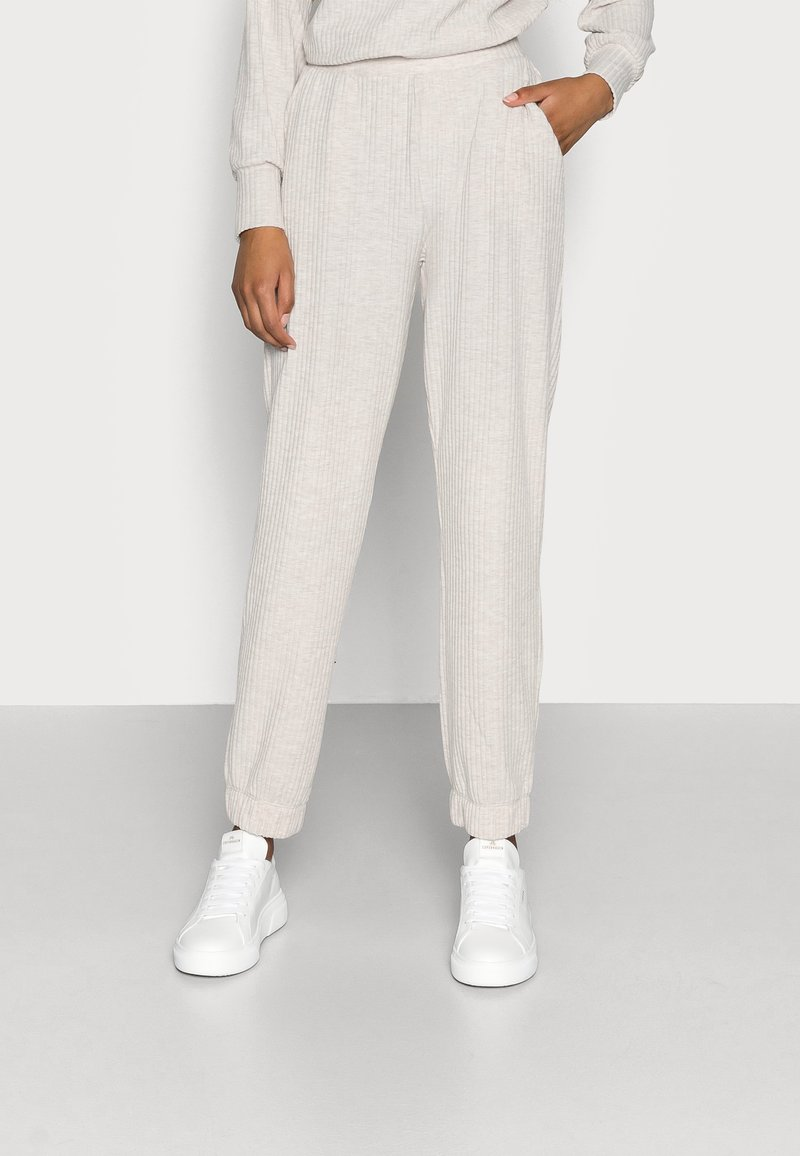 ONLY Petite - ONLNELLA PANTS - Tracksuit bottoms - pumice stone mellange