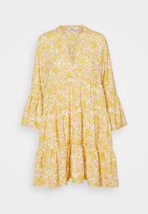 ONLATHENA 3/4 DRESS - Kjole - white/yellow