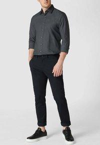 OLYMP Level Five - SLIM FIT BUSINESS MIT STRETCH-ANTEIL - Formal shirt - anthrazit - 1