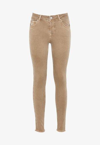 MIA MIT FRANSENSAUM - Jeans Skinny - camel