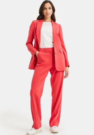 Cappotto corto - coral pink