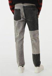 Bershka - Jeans straight leg - grey - 2