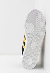 adidas Originals - BASKET PROFI - Baskets montantes - core black/bold gold/footwear white - 4